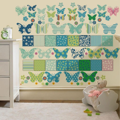Butterfly%20Sticker%20on%20the%20wall(2).jpg